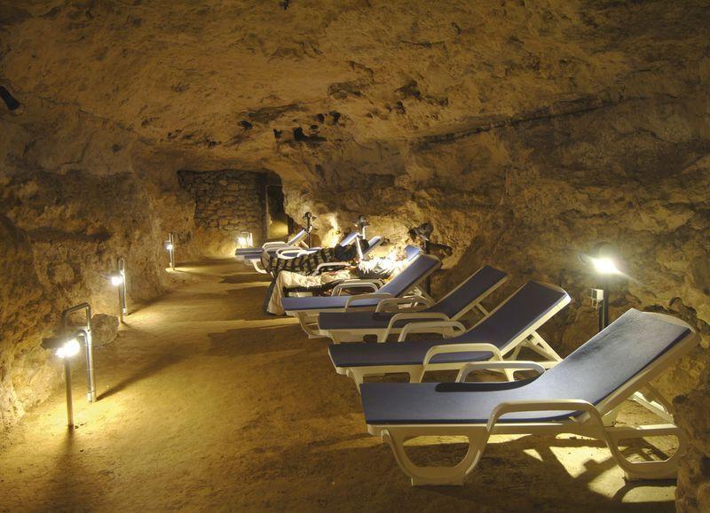 Kórház-barlang